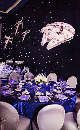 Disney weddings may the 4th be with you disney weddings - Decoration table theme star wars ...