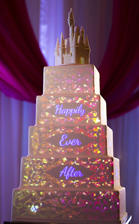 wedding cake wednesday creating cake mapping projections disney weddings. Black Bedroom Furniture Sets. Home Design Ideas