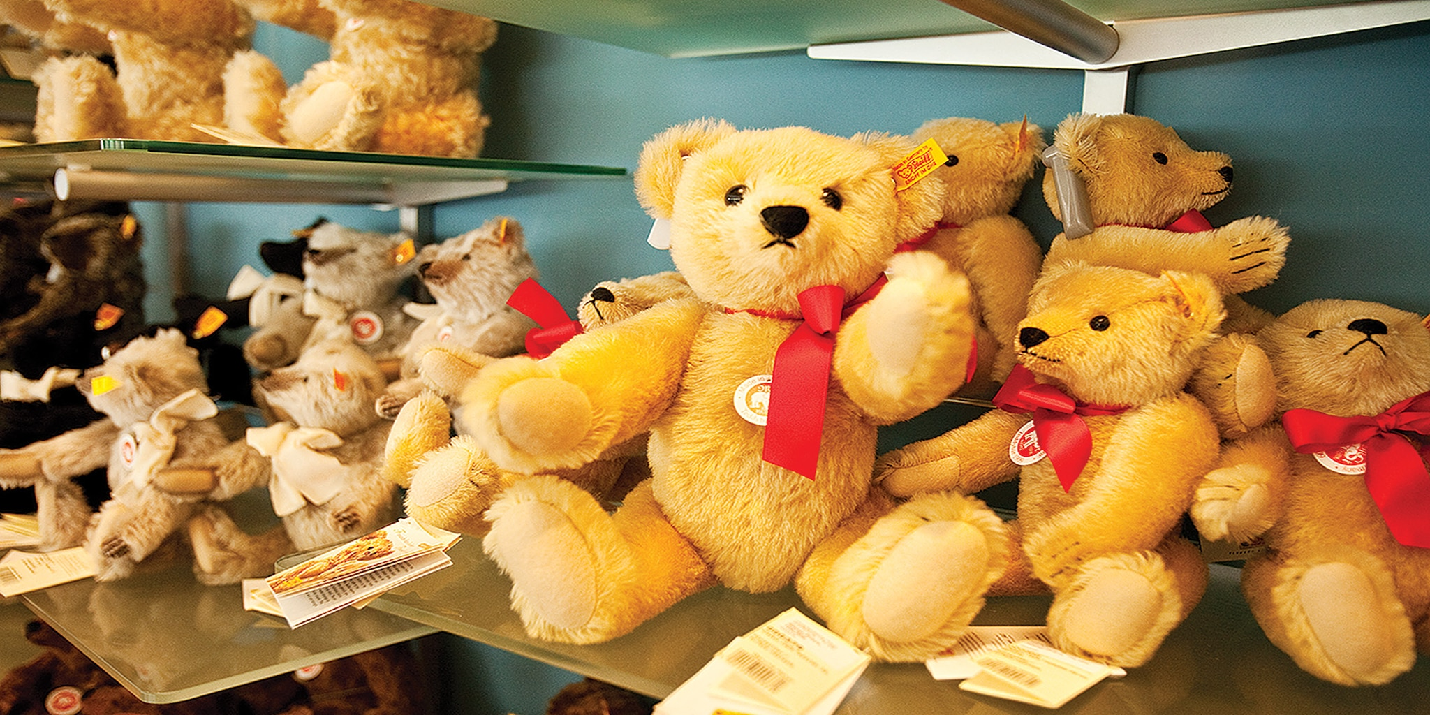 Visit the Stieiff bear factory on the German vacation
