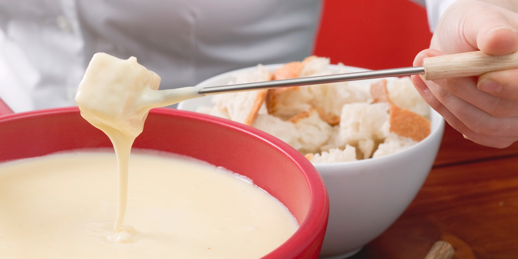 Enjoy fondue making on the Italy vacation